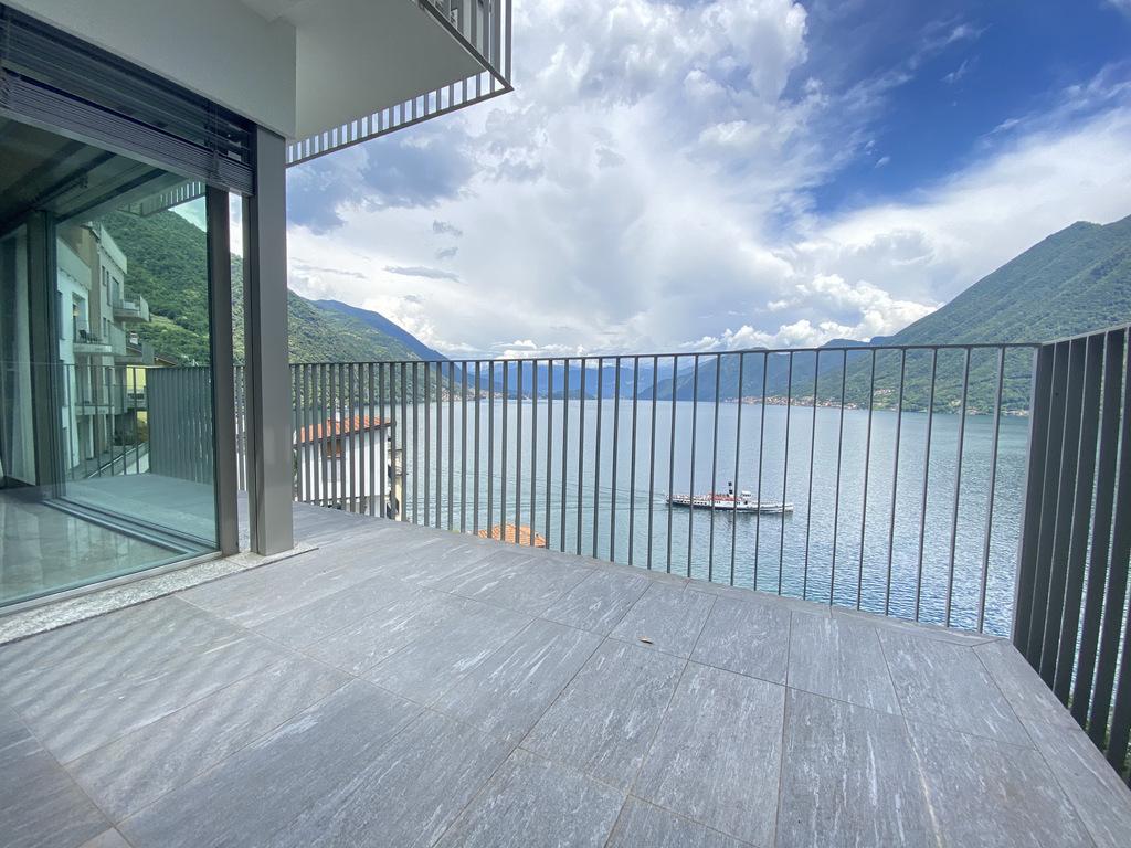 Apartments Argegno with Lake Como view