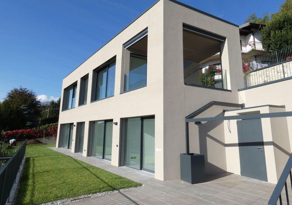Apartments  Residence with Swimming Pool Lake Como Gera Lario  - sunny