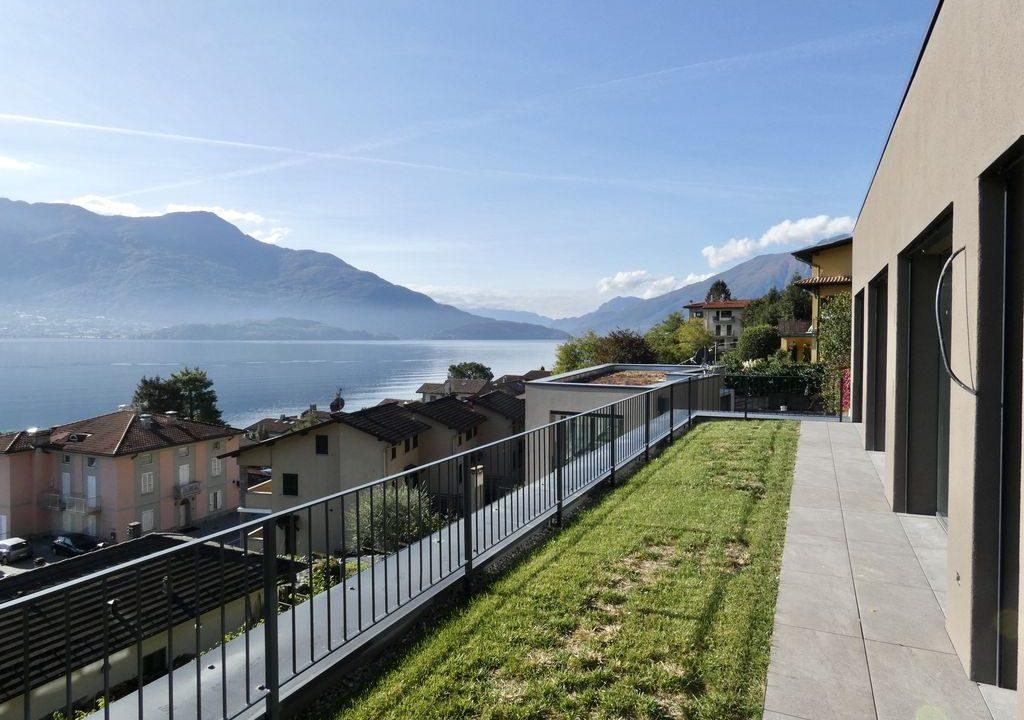 Apartments  Residence with Swimming Pool Lake Como Gera Lario  - garden