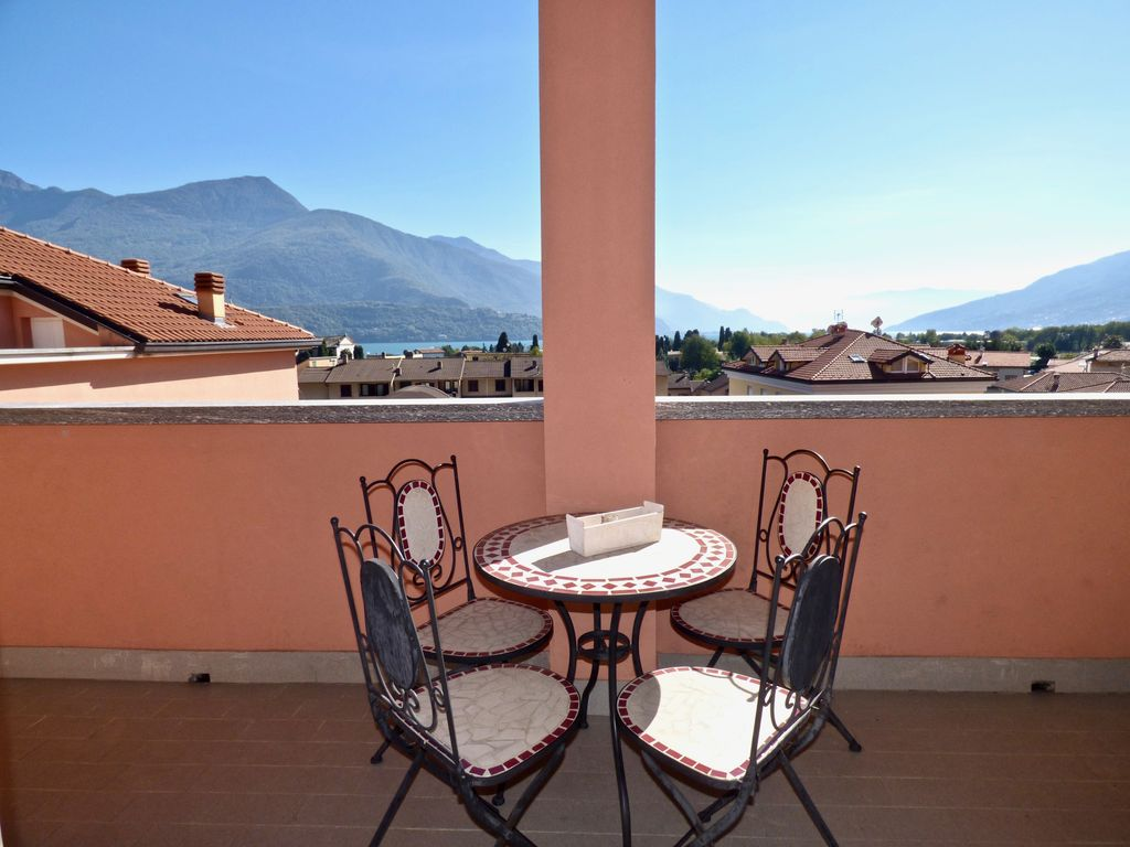 Apartment with Terrace Gravedona ed Uniti Lake Como