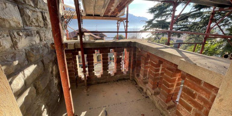 Menaggio Lake Como Apartments in Period Villa - balcony