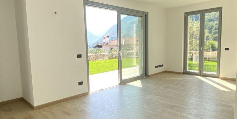Lake Como Tremezzina Apartments with pool - living