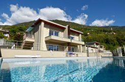 Apartment residence with Swimming Pool amazing lake view
