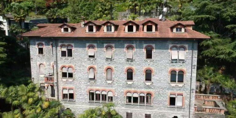 Menaggio Lake Como Apartments in Period Villa - garden