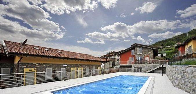 Apartments Pianello del Lario with swimming pool
