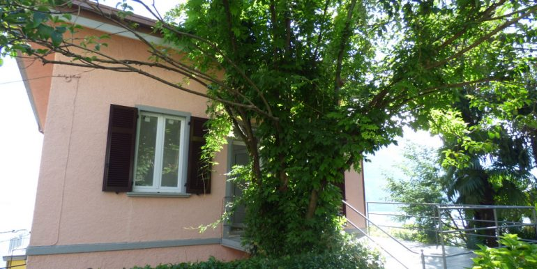Argegno apartment with terrace, balcony and garden - Lake view