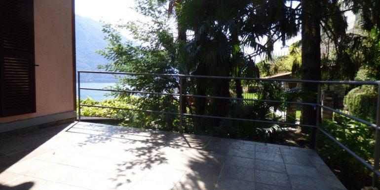 Argegno apartment - terrace and garden