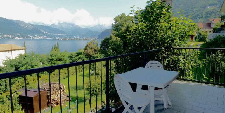 Lake Como Bellano Apartment with Lake View and garden