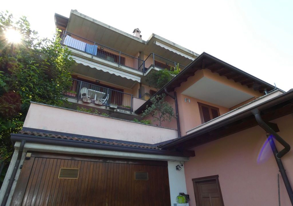 Lake Como Bellano Apartment with Lake View on 2 floors
