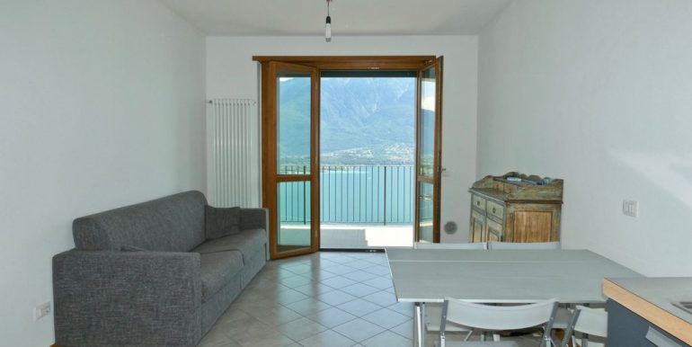 Apartment with Terrace and Lake View Gera Lario - living area