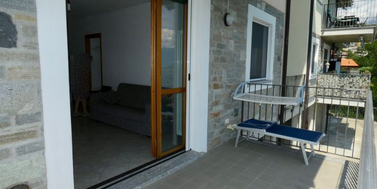Apartment with Terrace and Lake View Gera Lario - raised floor