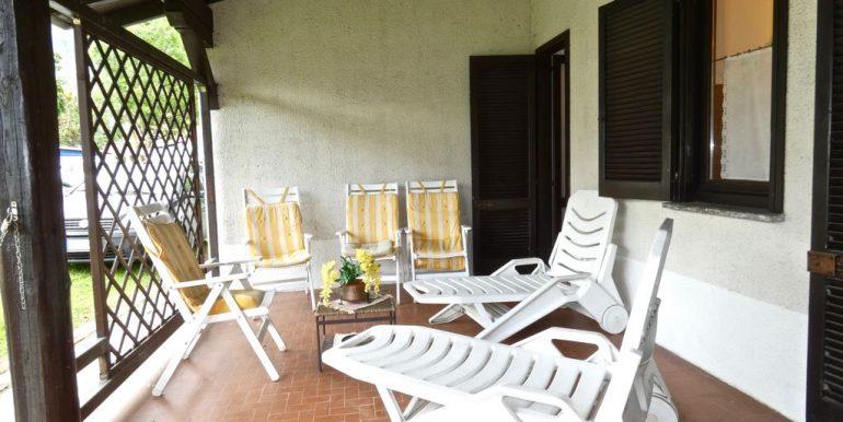 Apartment Domaso - covered porch