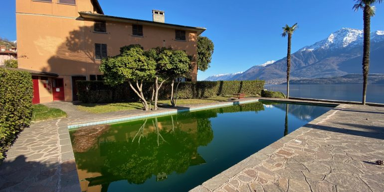 Apartment Directly on Lake Como Domaso with pool