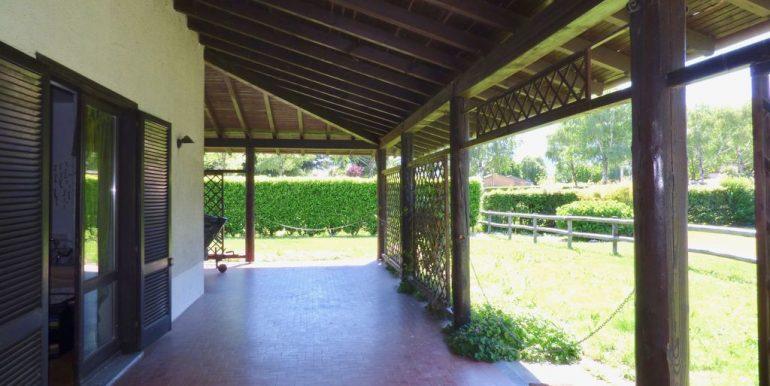 Domaso Apartment covered porch