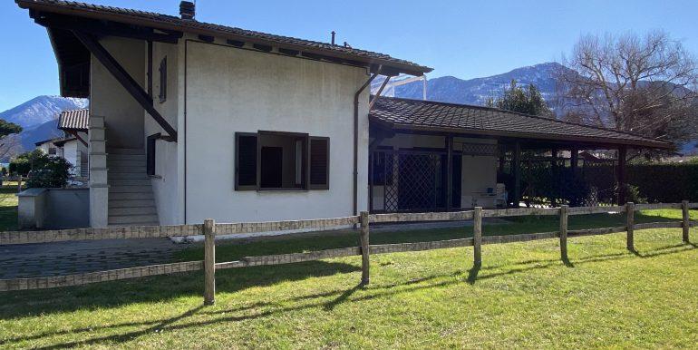 Apartment Domaso with porch