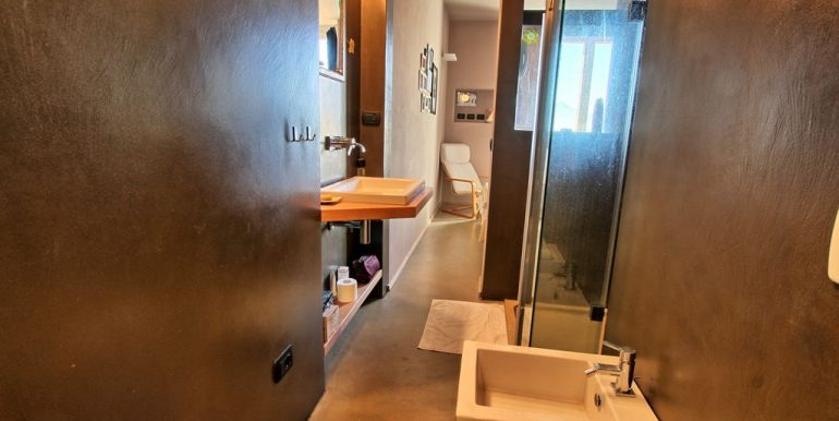 Front lake Apartment Dongo - bathroom