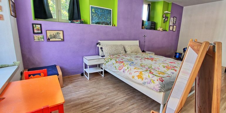Front lake Apartment Dongo  - bedroom