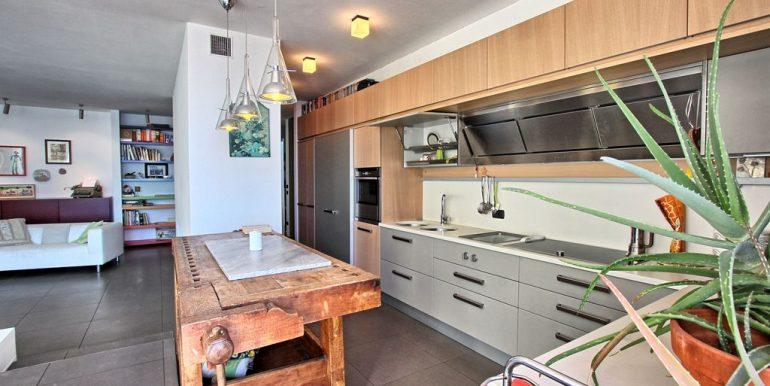 Front lake Apartment Dongo  - kitchen