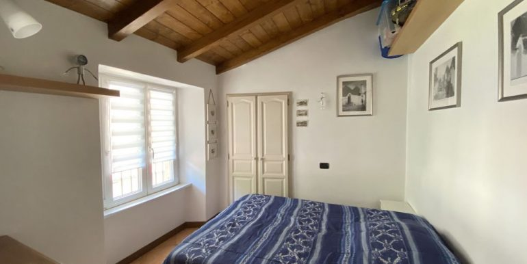 Lake Como Apartment with Terrace Dongo - wooden beams