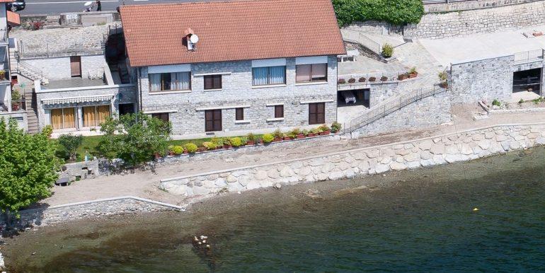 Lake Como Apartment  with garden