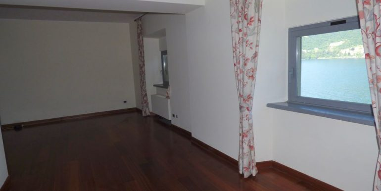 Apartment Torno - bedroom