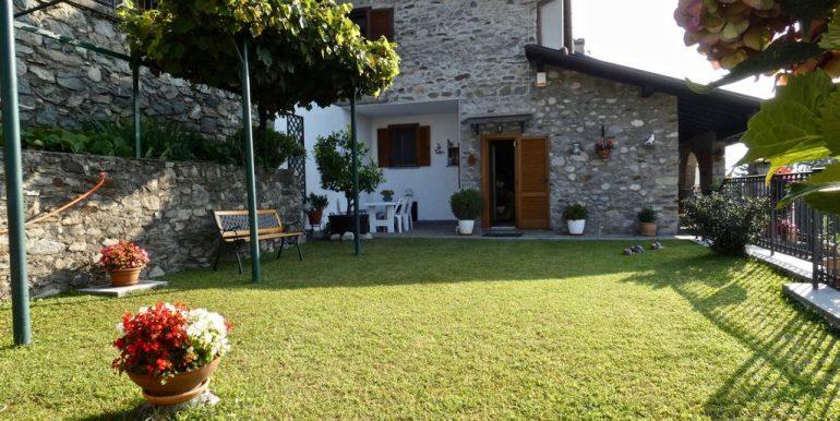 Apartment Gera Lario with Garden Sunny