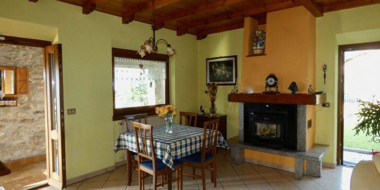 Apartment Gera Lario with Garden private