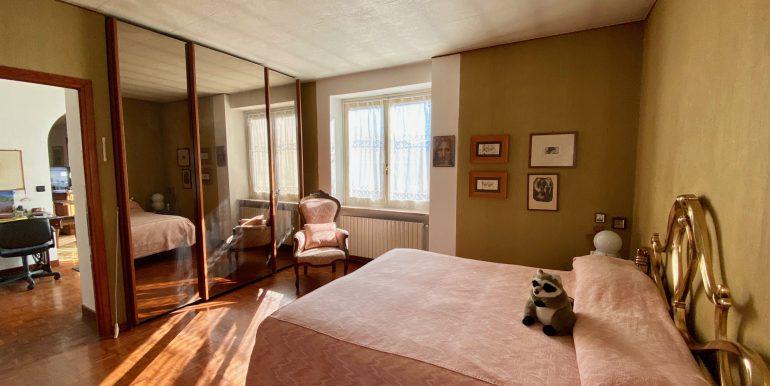 Lake Como Gera Lario Apartment with Terrace - bedroom