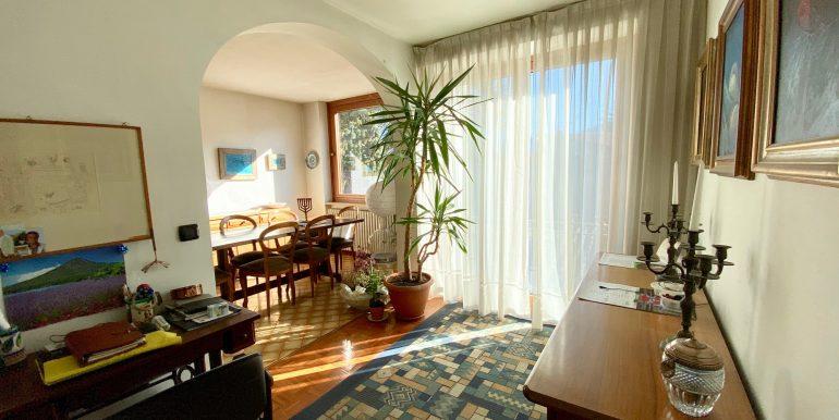 Lake Como Gera Lario Apartment with Terrace - living room