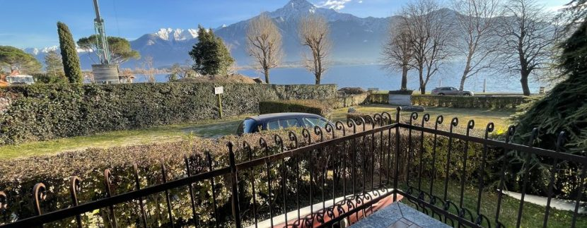 Apartment Front Lake Como Gera Lario - balcony