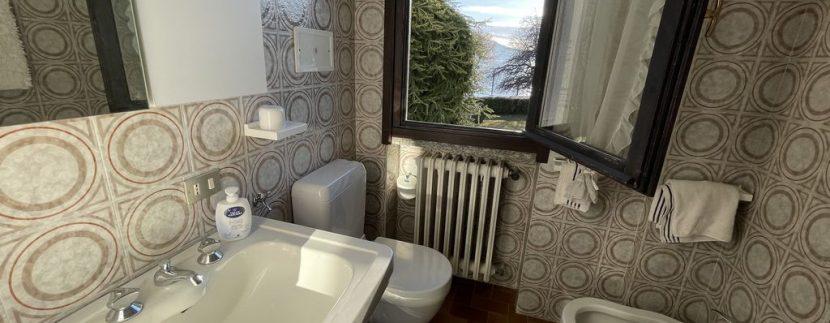 Apartment Front Lake Como Gera Lario - bathroom
