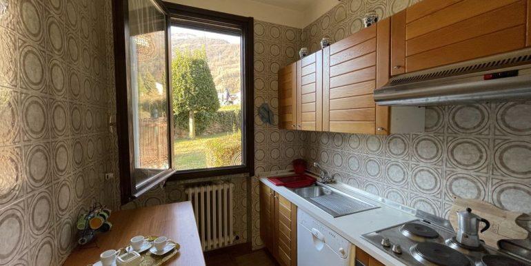 Apartment Front Lake Como Gera Lario - kitchen