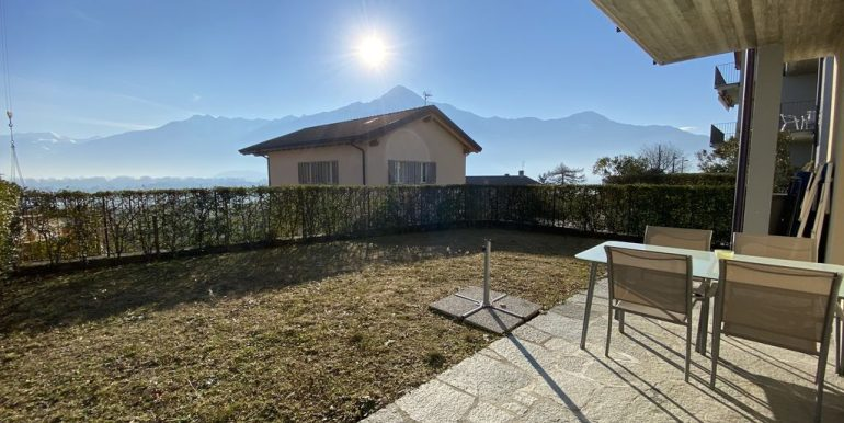 Lake Como Apartment with Swimming Pool Gera Lario  - porch