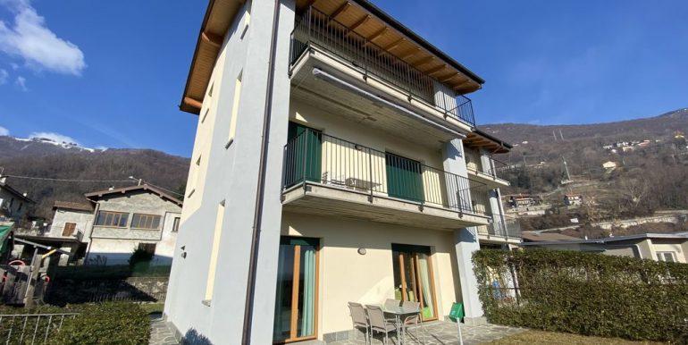 Lake Como Apartment with Swimming Pool Gera Lario  - garden
