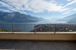 Apartment with Lake View Gravedona ed Uniti Terrace and Garden
