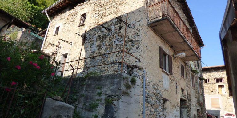 Apartment Gravedona hillside
