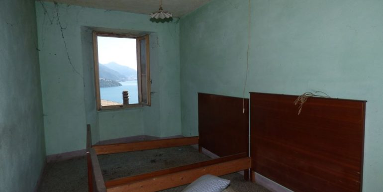 Apartment Gravedona with balcony