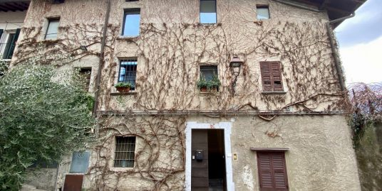 Apartment with Balcony and Lake View – Laglio