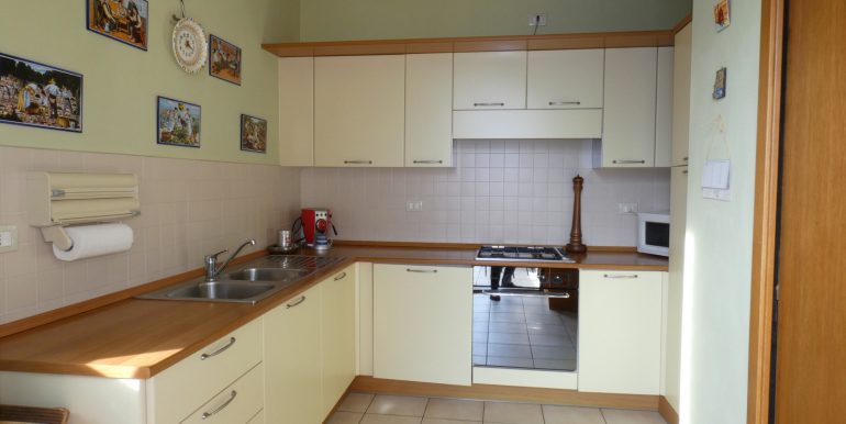 Apartment Gravedona ed Uniti Lake Como - separate kitchen