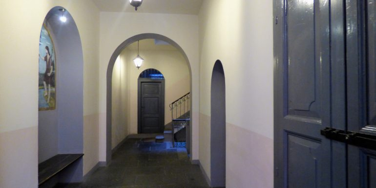 Lake Como Menaggio - Entrance