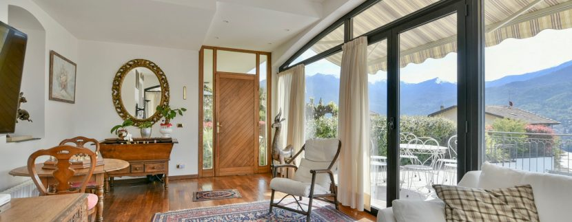 Lake Como Moltrasio Apartment with Pool