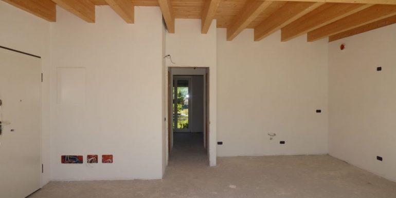 Apartment Lake Como Gera Lario  wooden beams at sight