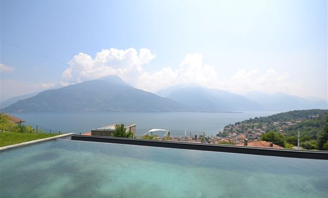 Pianello del Lario Apartment with lake view balcony - swimming pool and view