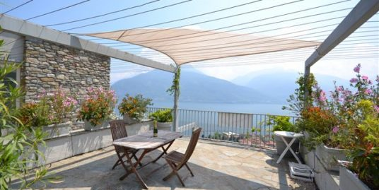 Pianello del Lario Apartment with lake view balcony and terrace