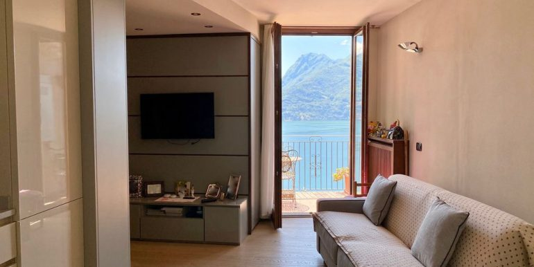 Apartment San Siro with Terrace and Lake View - living room