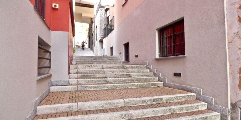 San Siro Apartment - access road