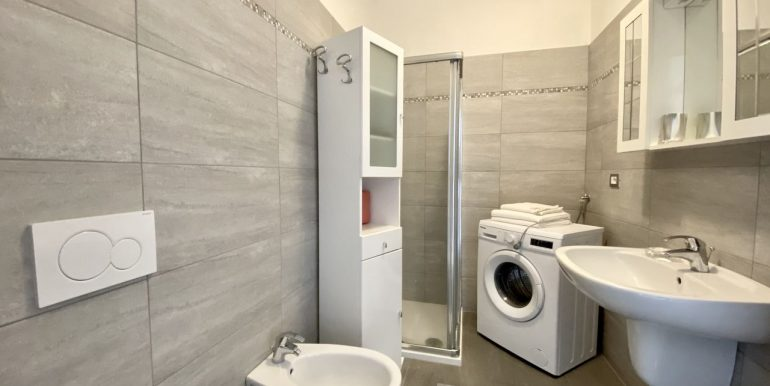 Apartment Lake Como Residence with Pool Domaso  - bathroom