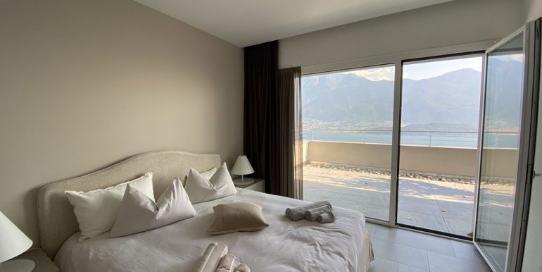 Lake Como Vercana Luxury Apartment with Terrace - bedroom