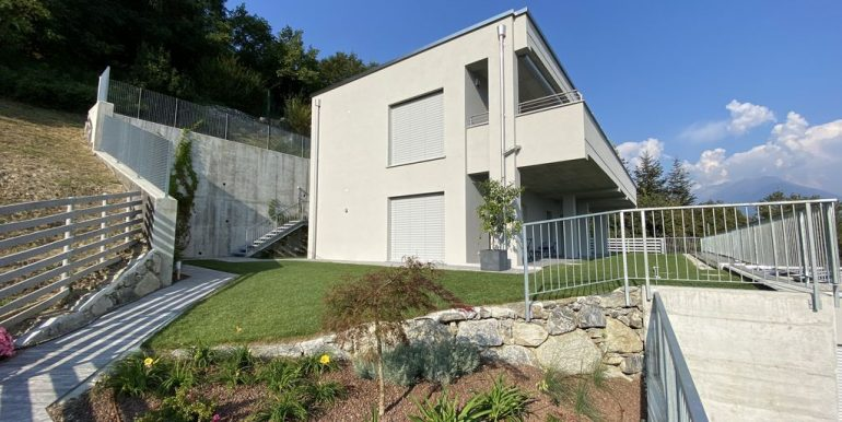 Lake Como Vercana Luxury Apartment with Terrace - external