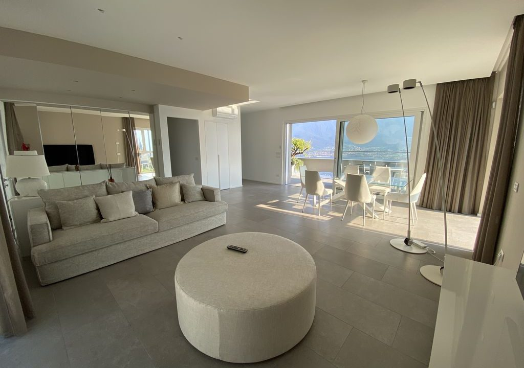 Lake Como Vercana Luxury Apartment with Terrace - living